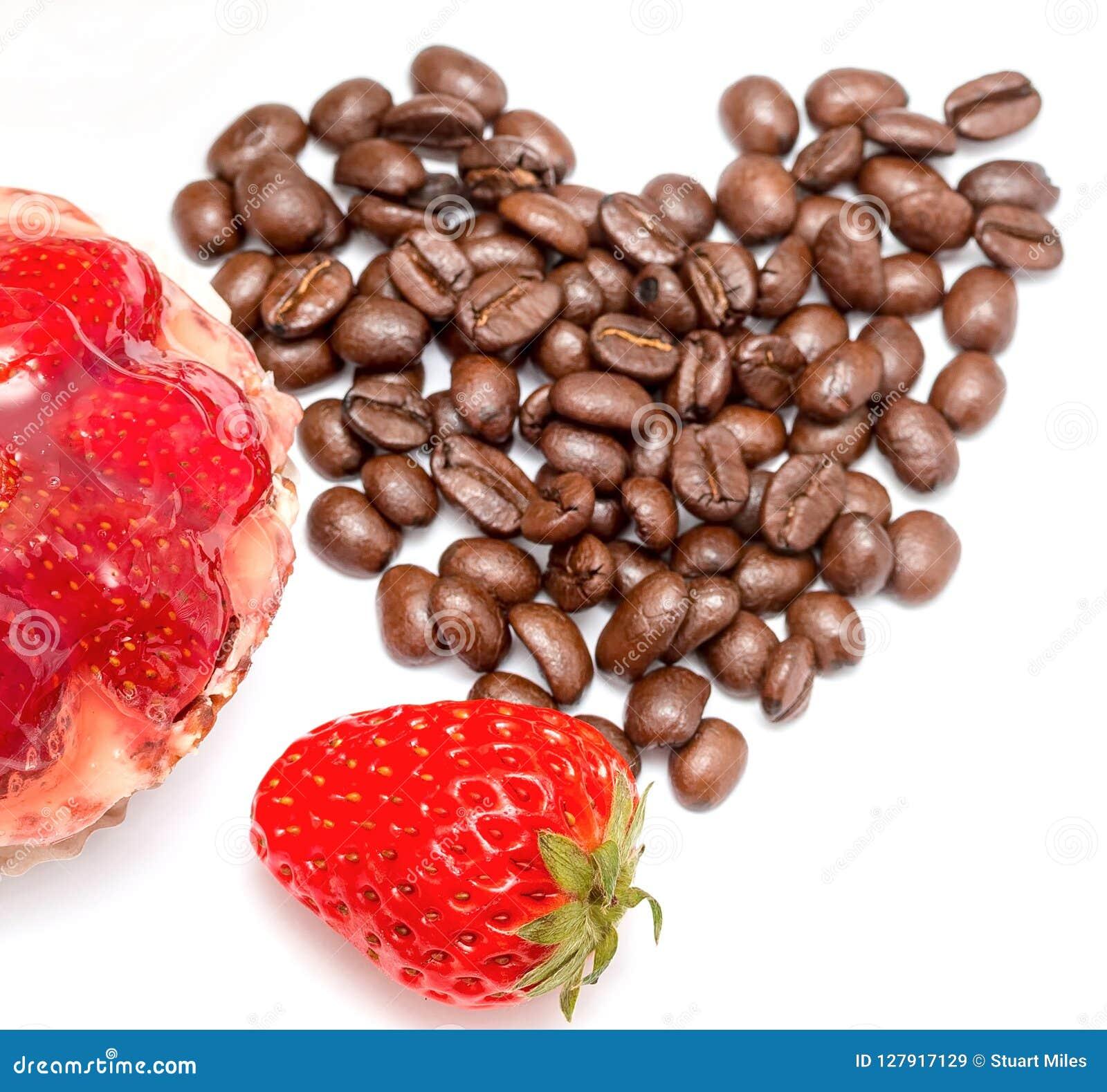 Empanada agria y hornada de la fresa de las demostraciones del desierto y del café