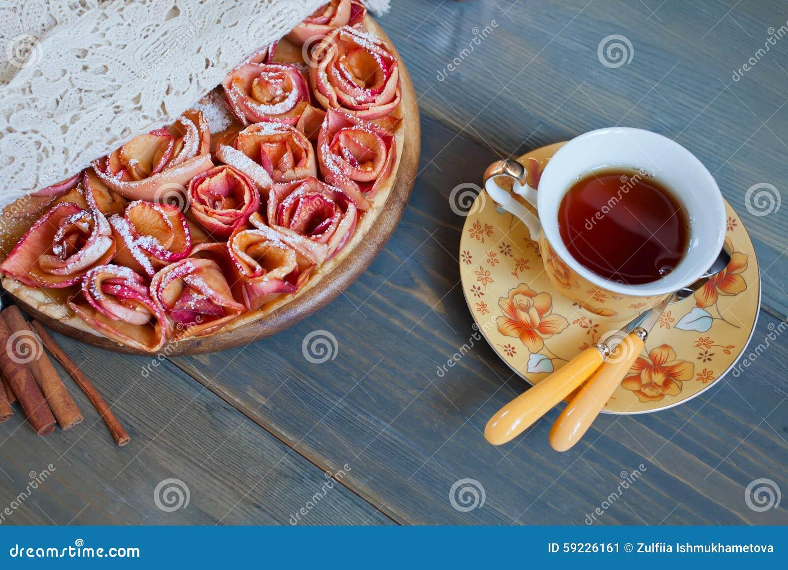 Download Empanada De Apple Y Taza De Té Imagen de archivo - Imagen de cinamomo, frutas: 59226161