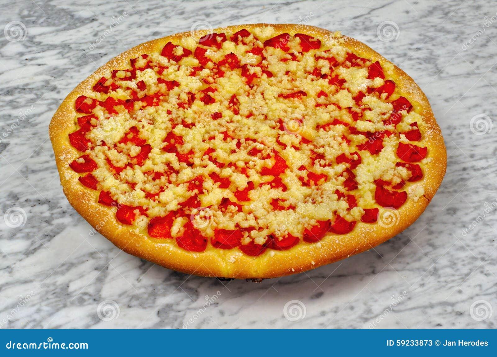 Download Empanada Hecha En Casa Del Albaricoque En Una Tabla De Mármol Imagen de archivo - Imagen de tortas, plato: 59233873