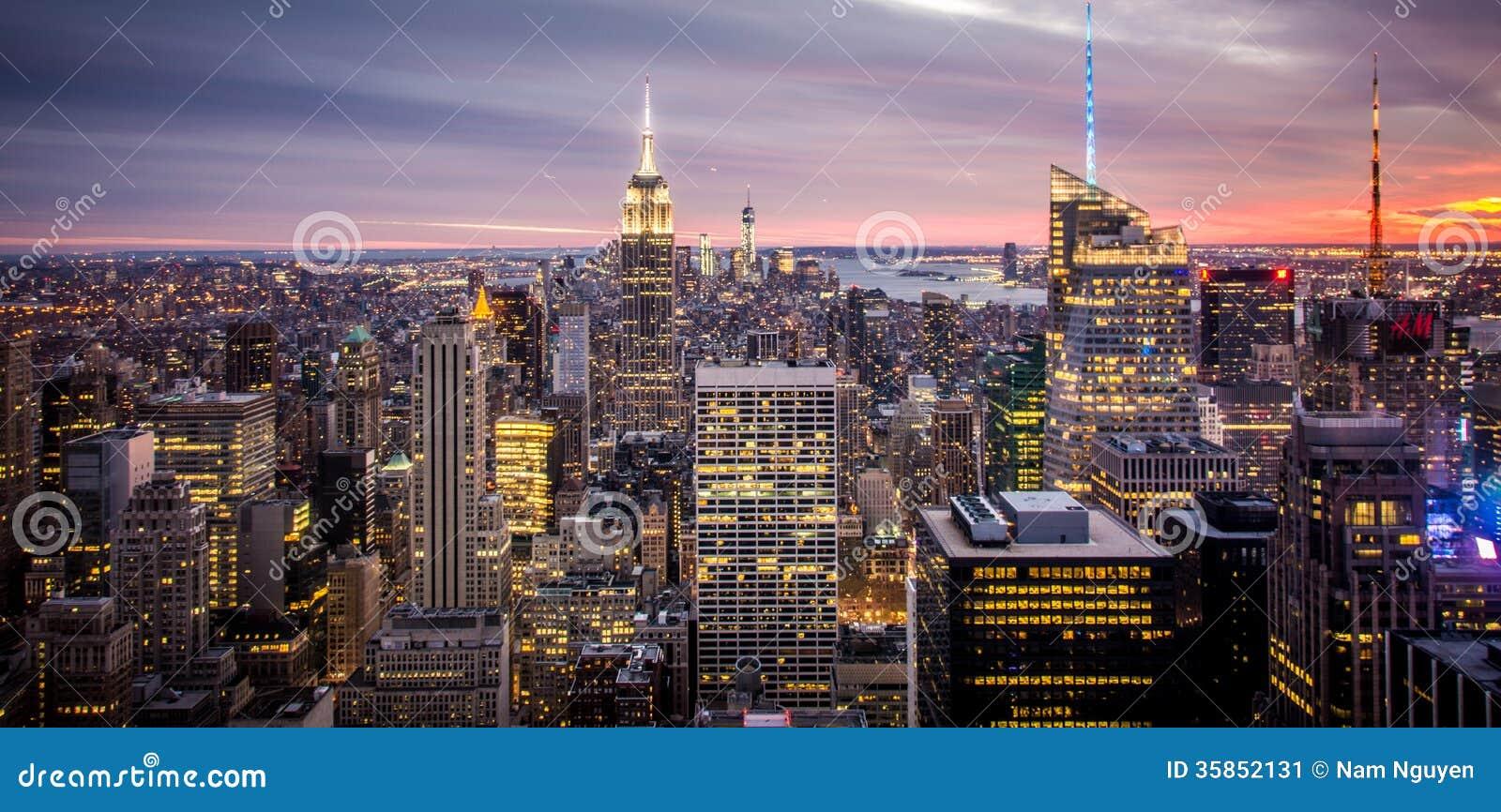 Empire State Building, de Stad Manhattan van New York tijdens Zonsondergang