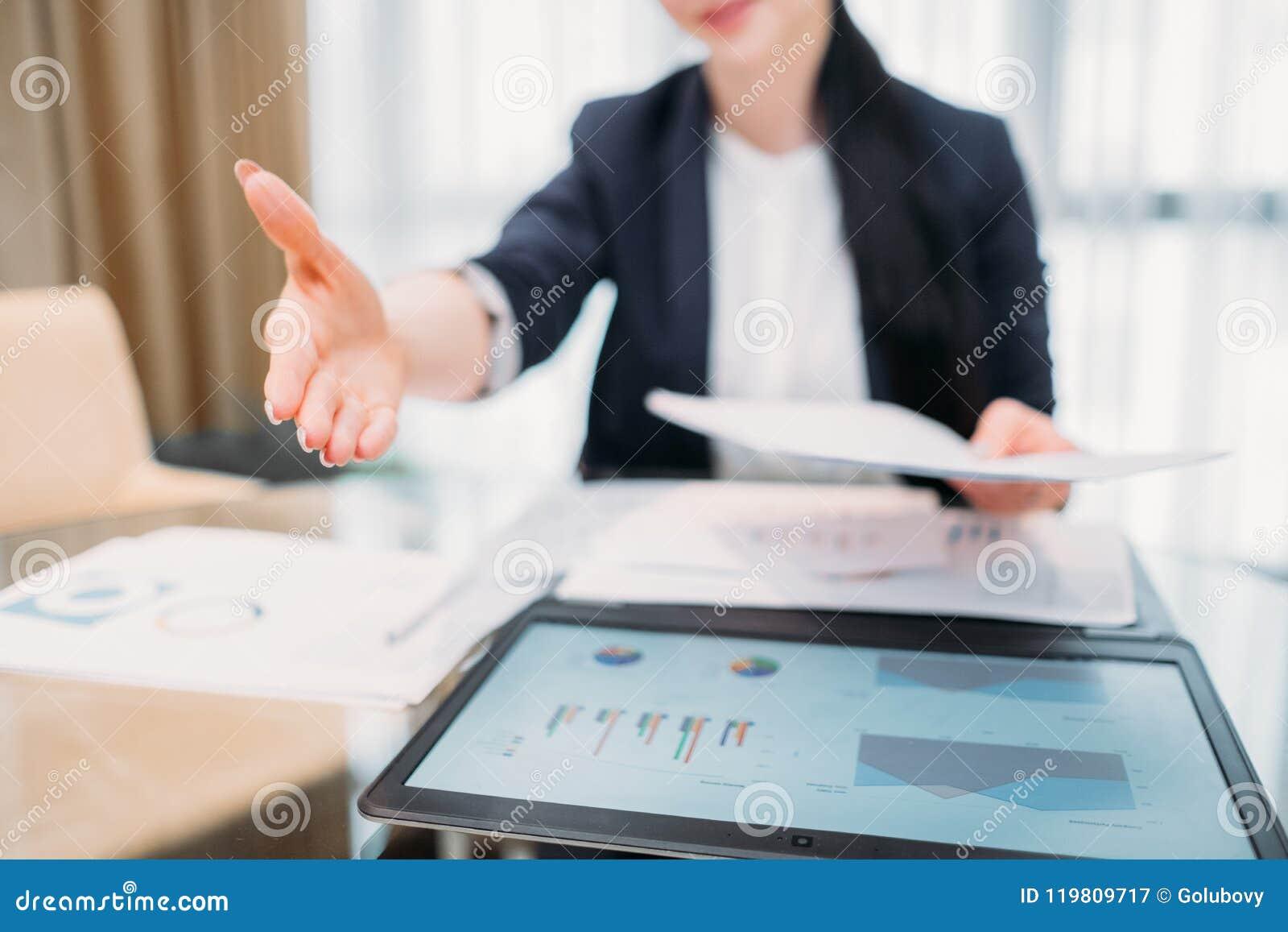 Empleo de alquiler de la mano de la hora del reclutador de la carrera del trabajo