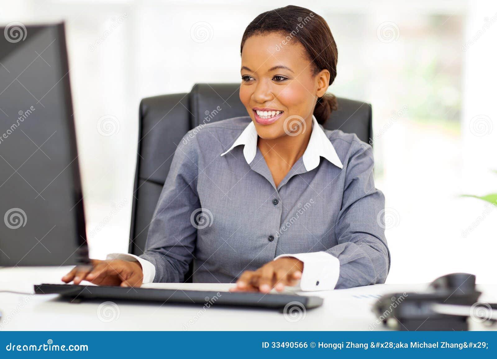 Employ De Bureau Africain Image libre de droits Image 33490566