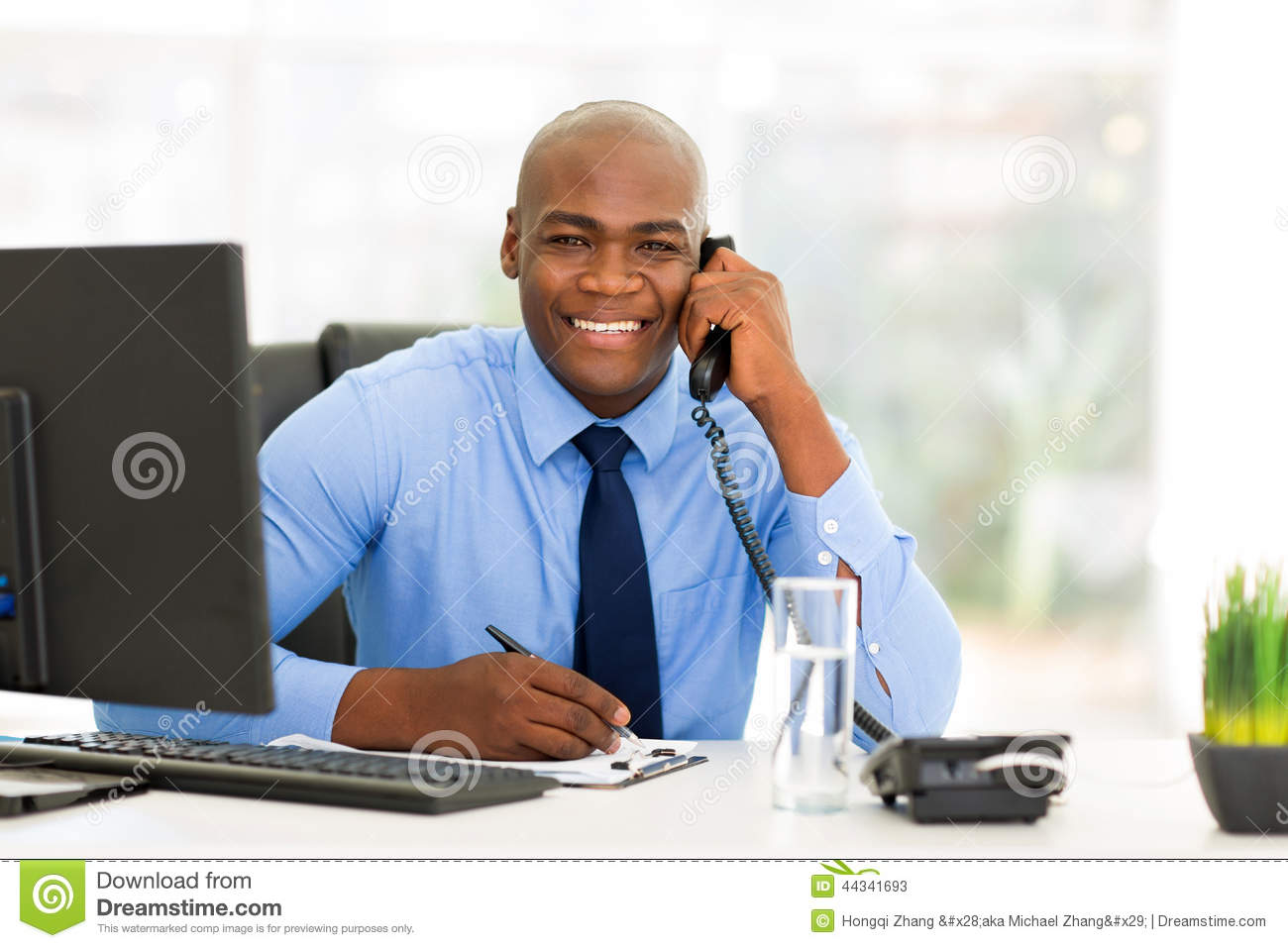 Employ De Bureau Africain Photo stock Image 44341693