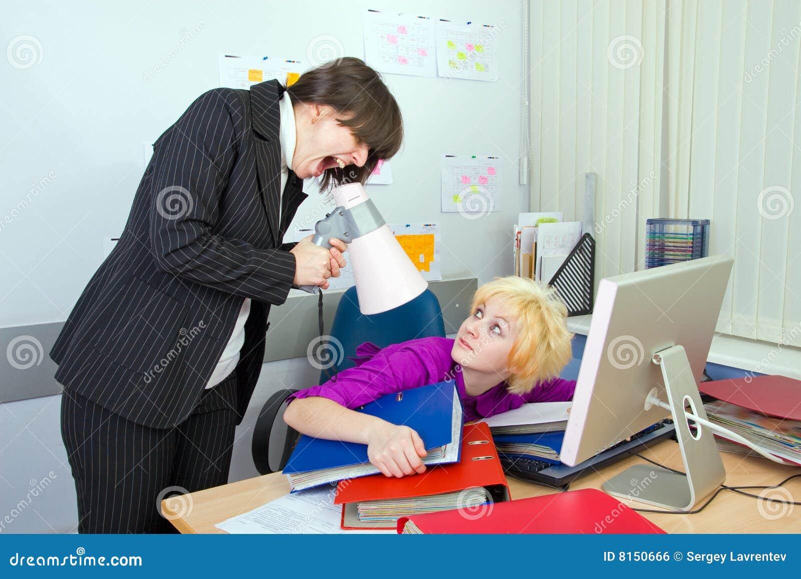 Унизили в офисе 10 фотография