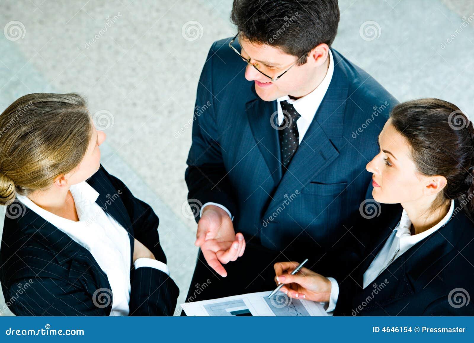 Empresários faladores