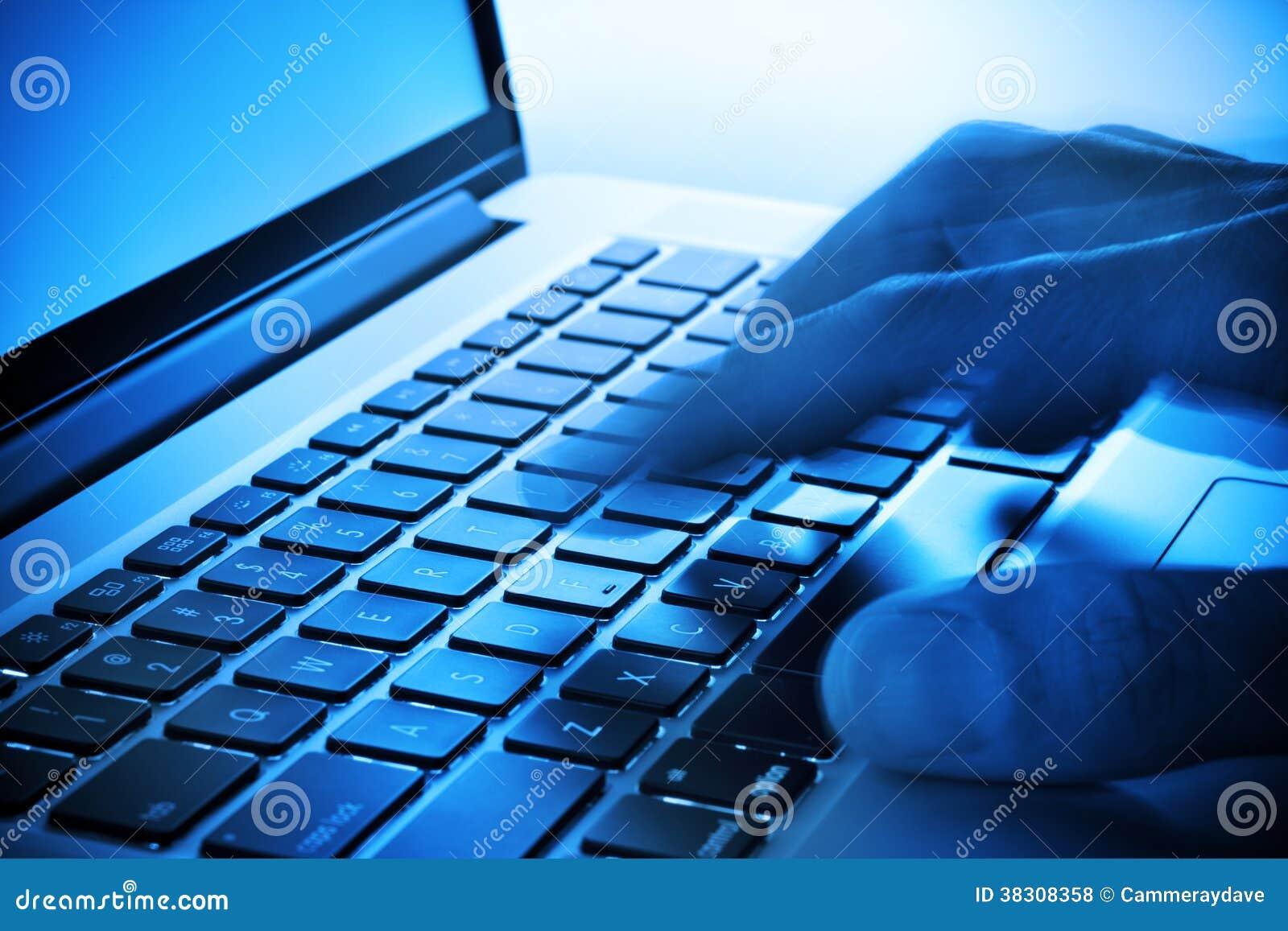 Empresa informática del teclado de la mano