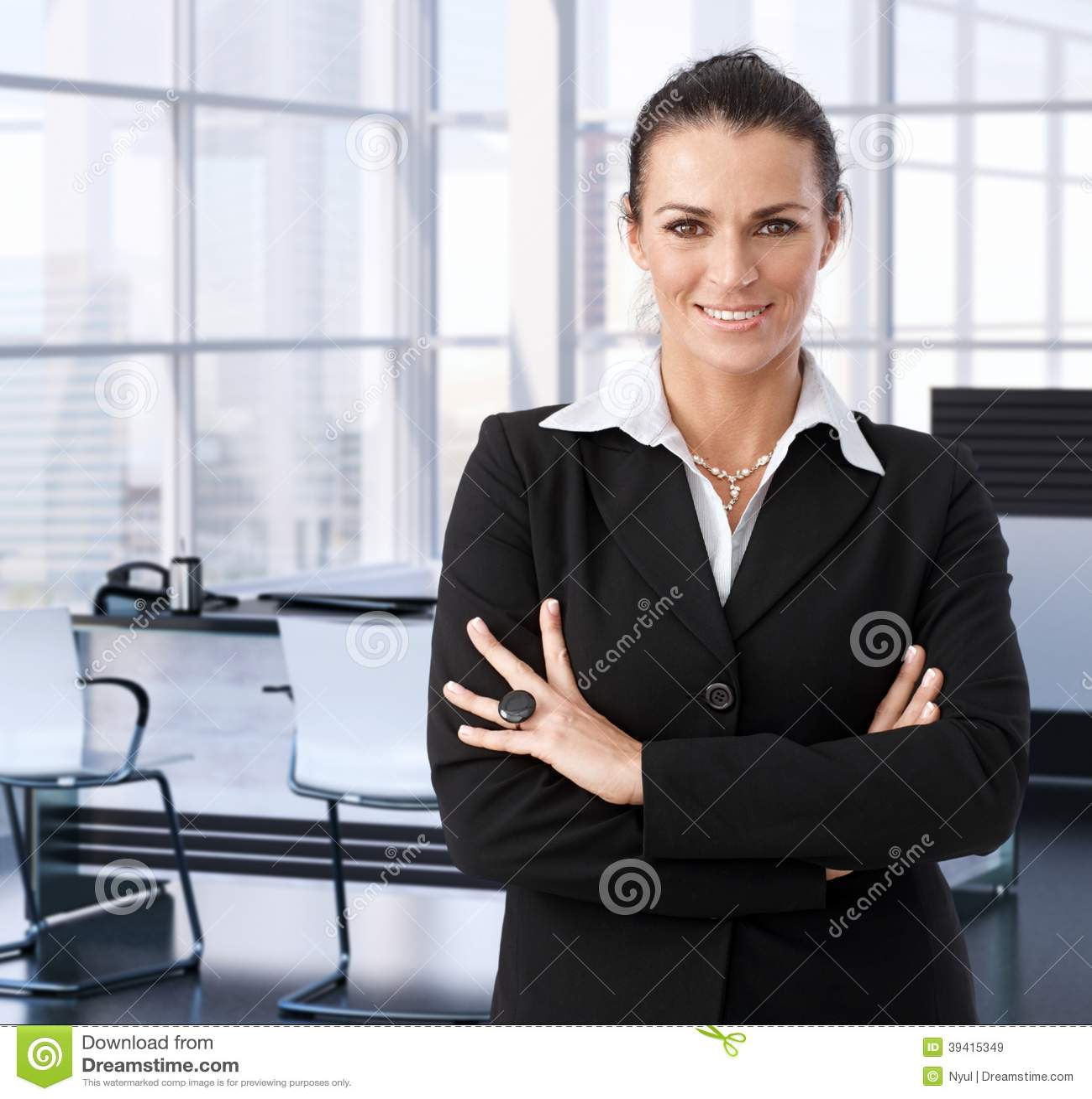 Empresaria corporativa en la oficina ejecutiva foto de for Oficina ejecutiva