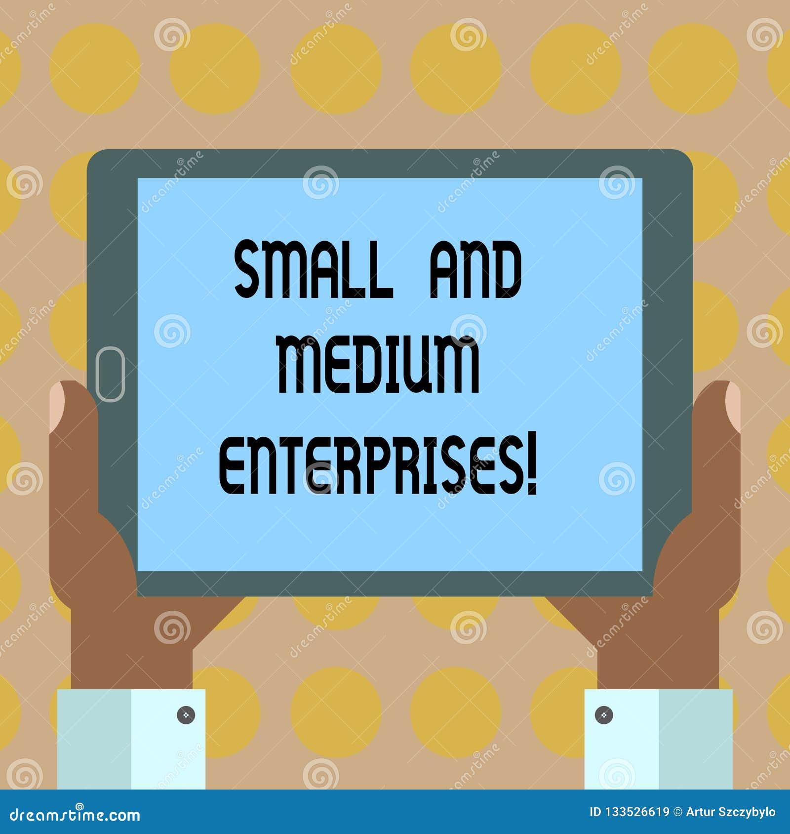 Empresas pequenas e médias do texto da escrita da palavra Conceito do negócio para o crescimento do SME do analysisagement novo d