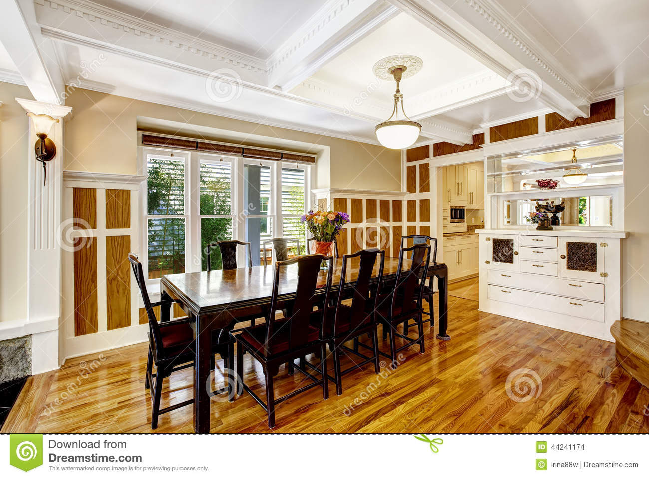 Empressive dining room interior luxury house with wood for Salle a manger de luxe