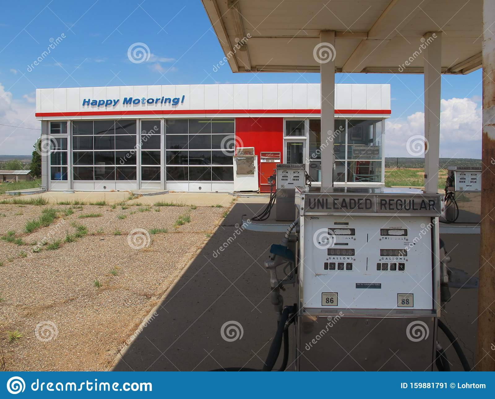 An Old Abandoned Retro Gas Station Along Route 66 Editorial Photo Image Of Retro Empty 159881791