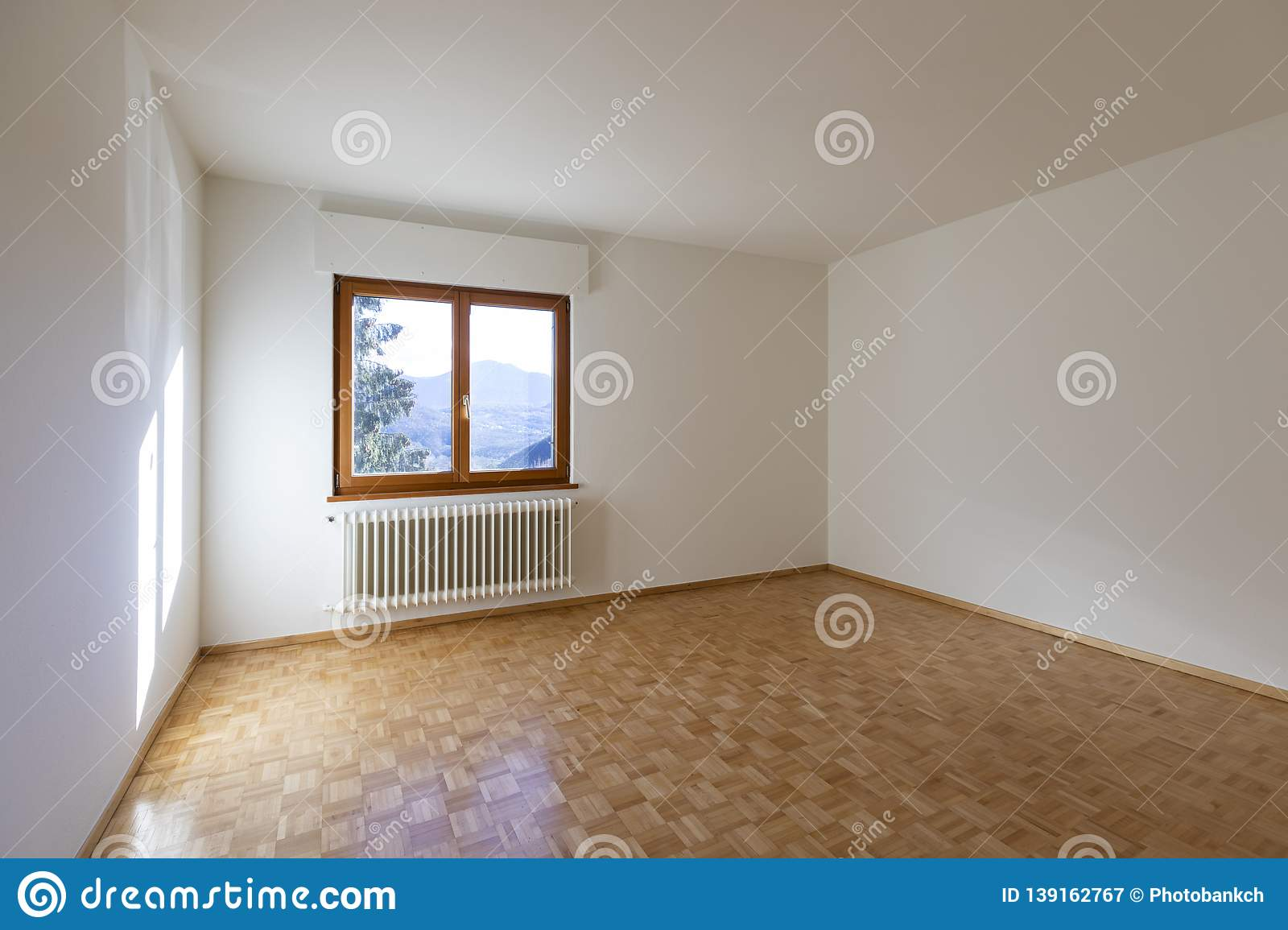 small empty room empty bedroom
