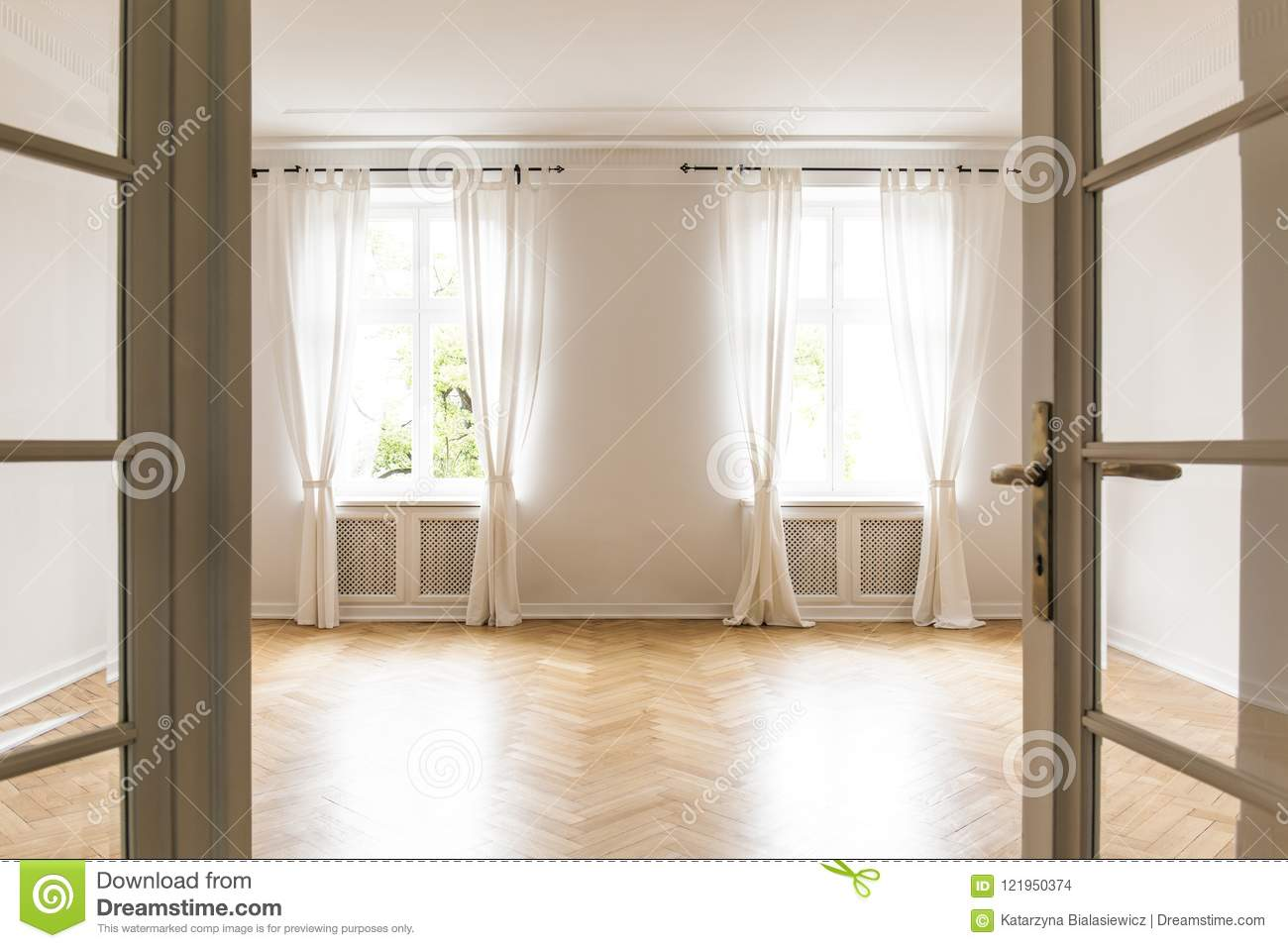 Empty Bright Living Room Interior With Drapes At Windows And ...