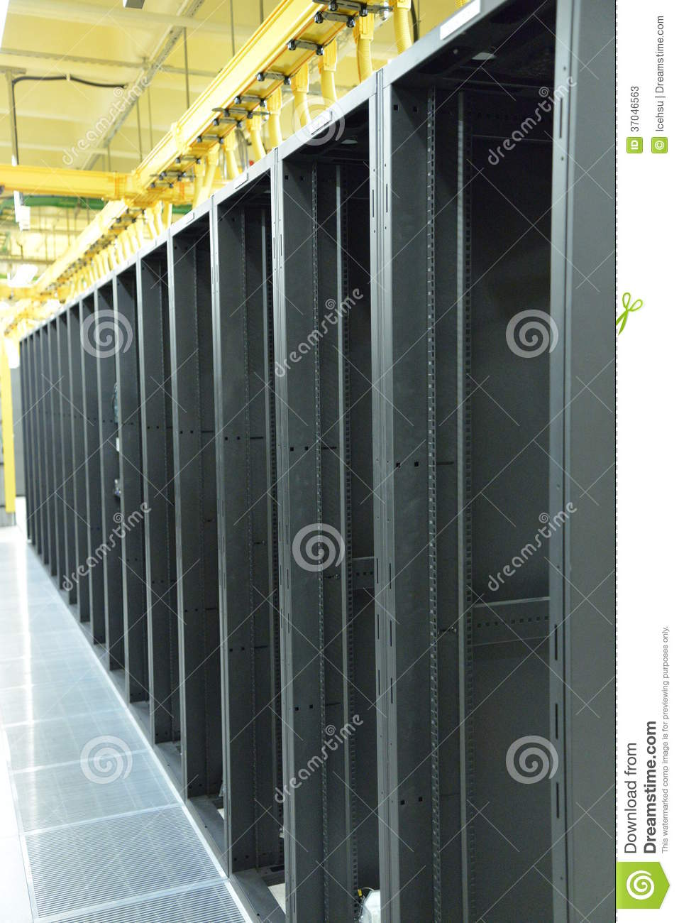 Empty data center racks stock photos image 37046563 for Data center setup