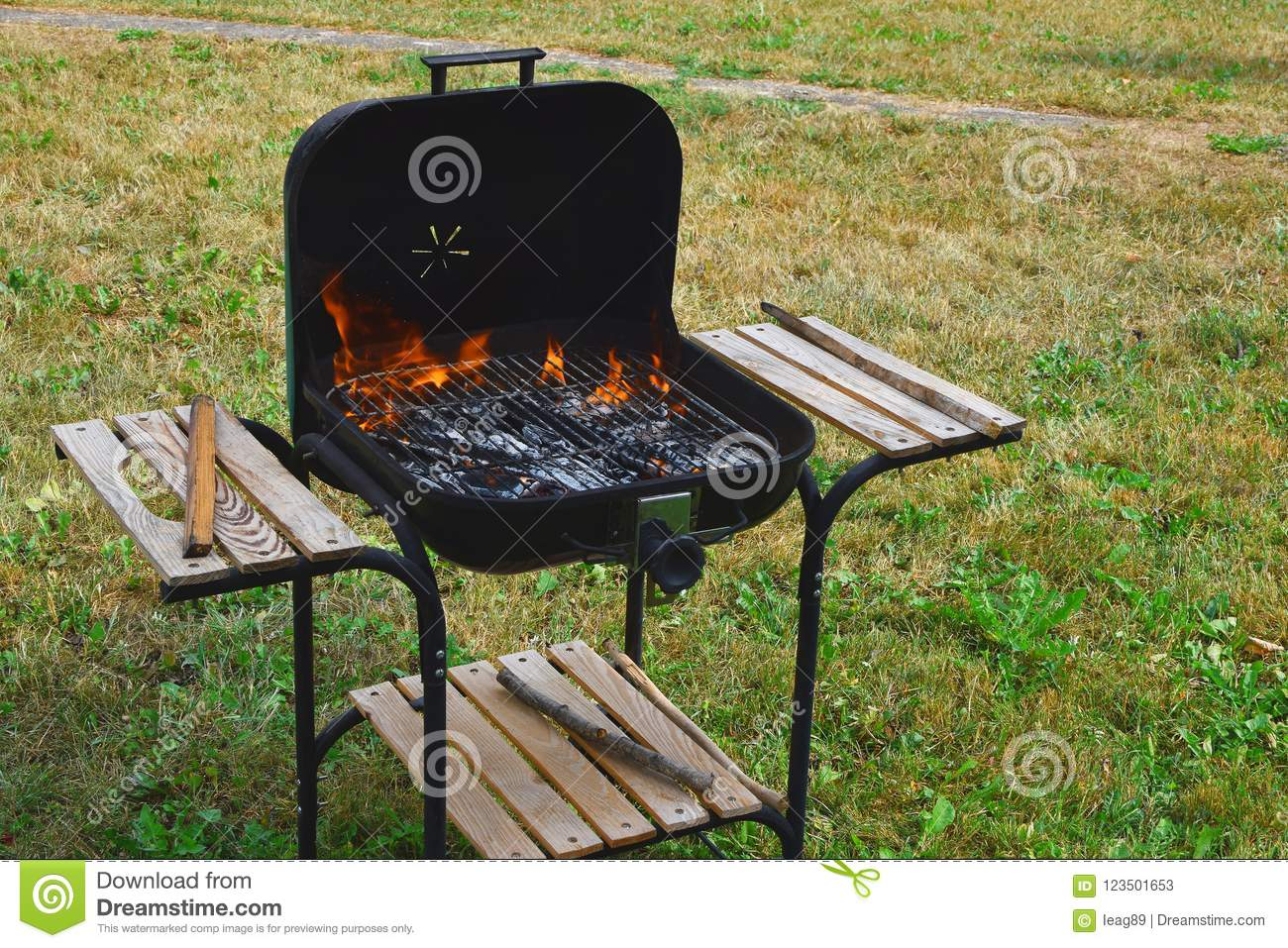 Empty flaming charcoal