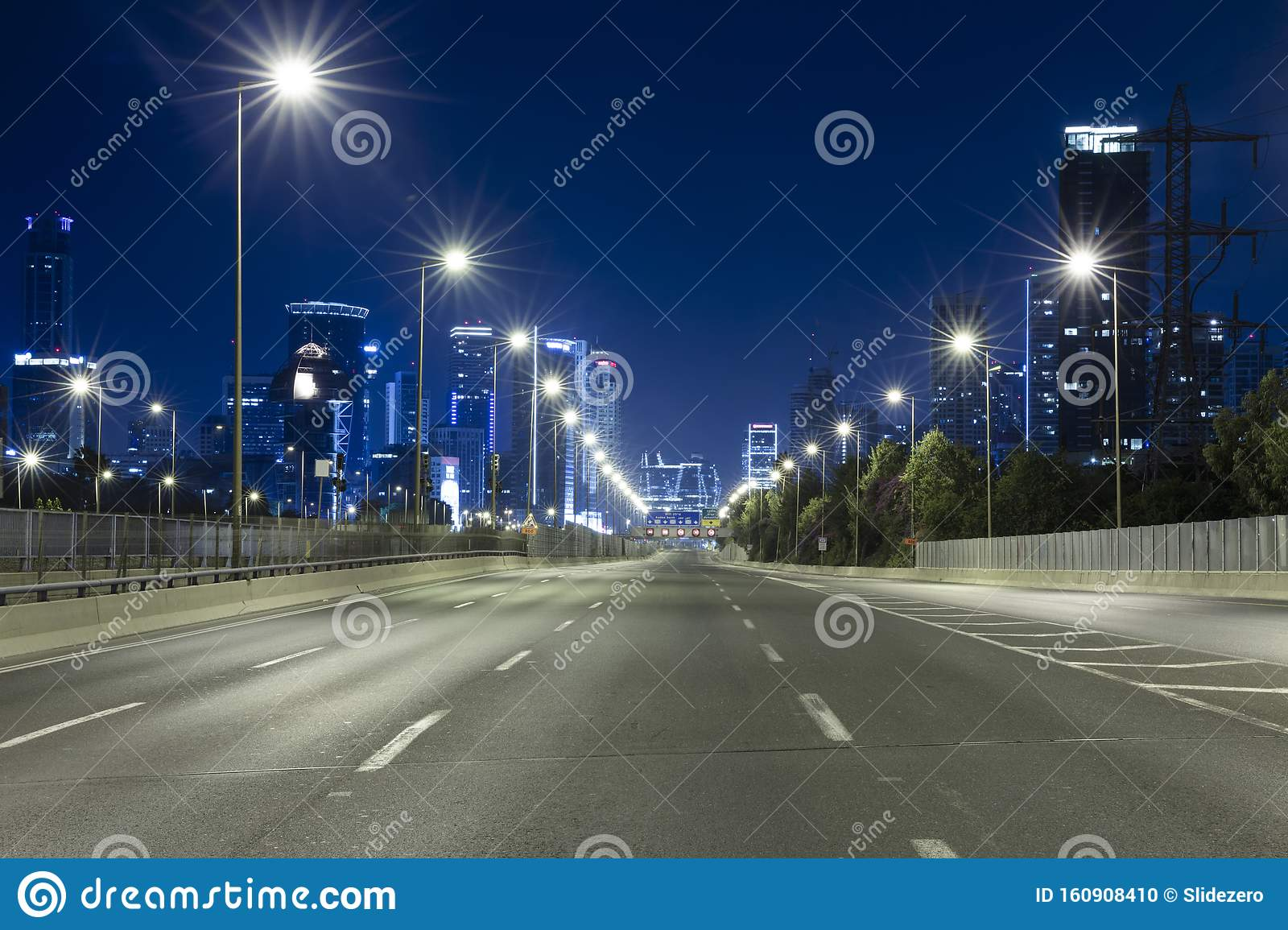 250 086 Night Road Photos Free Royalty Free Stock Photos From Dreamstime