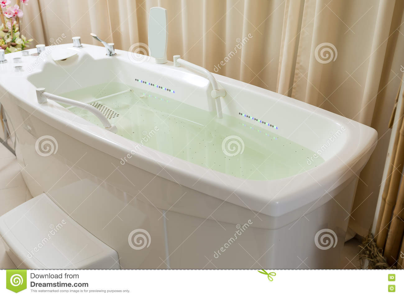 Empty Jacuzzi, Tub Filled With Water In The Spa Stock Photo - Image ...