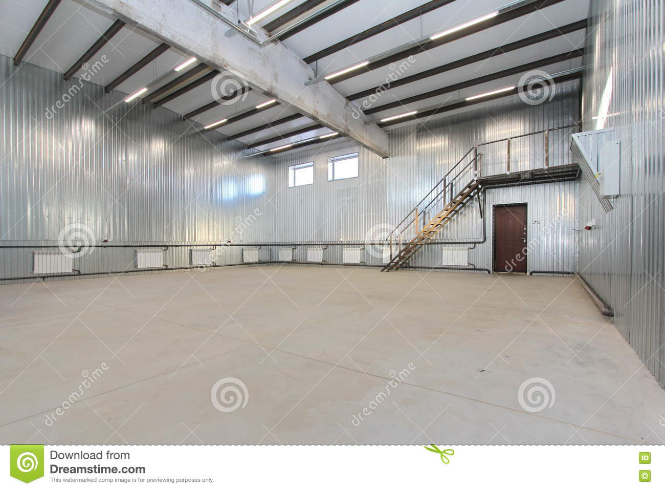 Empty parking garage warehouse interior with large white for Large garage with living quarters