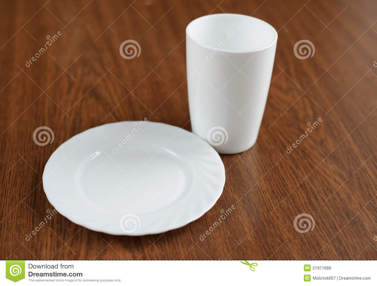 Empty Plate And Glass On A Table Royalty Free Stock Images