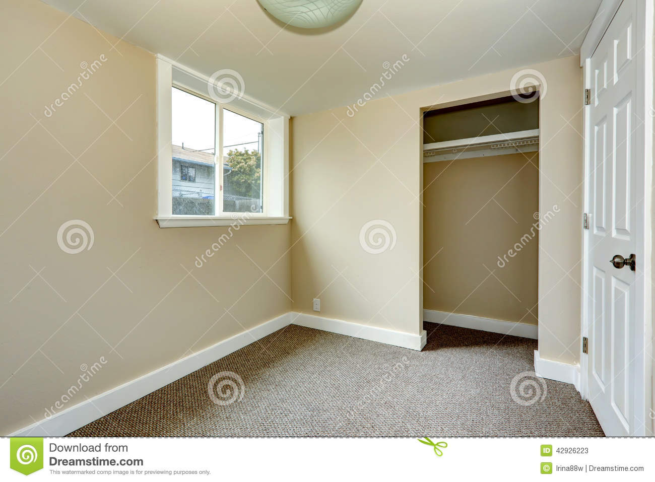 Empty Room With Closet Stock Image