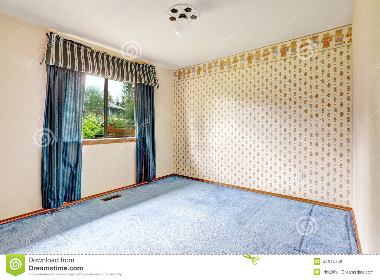 Empty Room With Wallpaper And Blue Carpet Floor Stock
