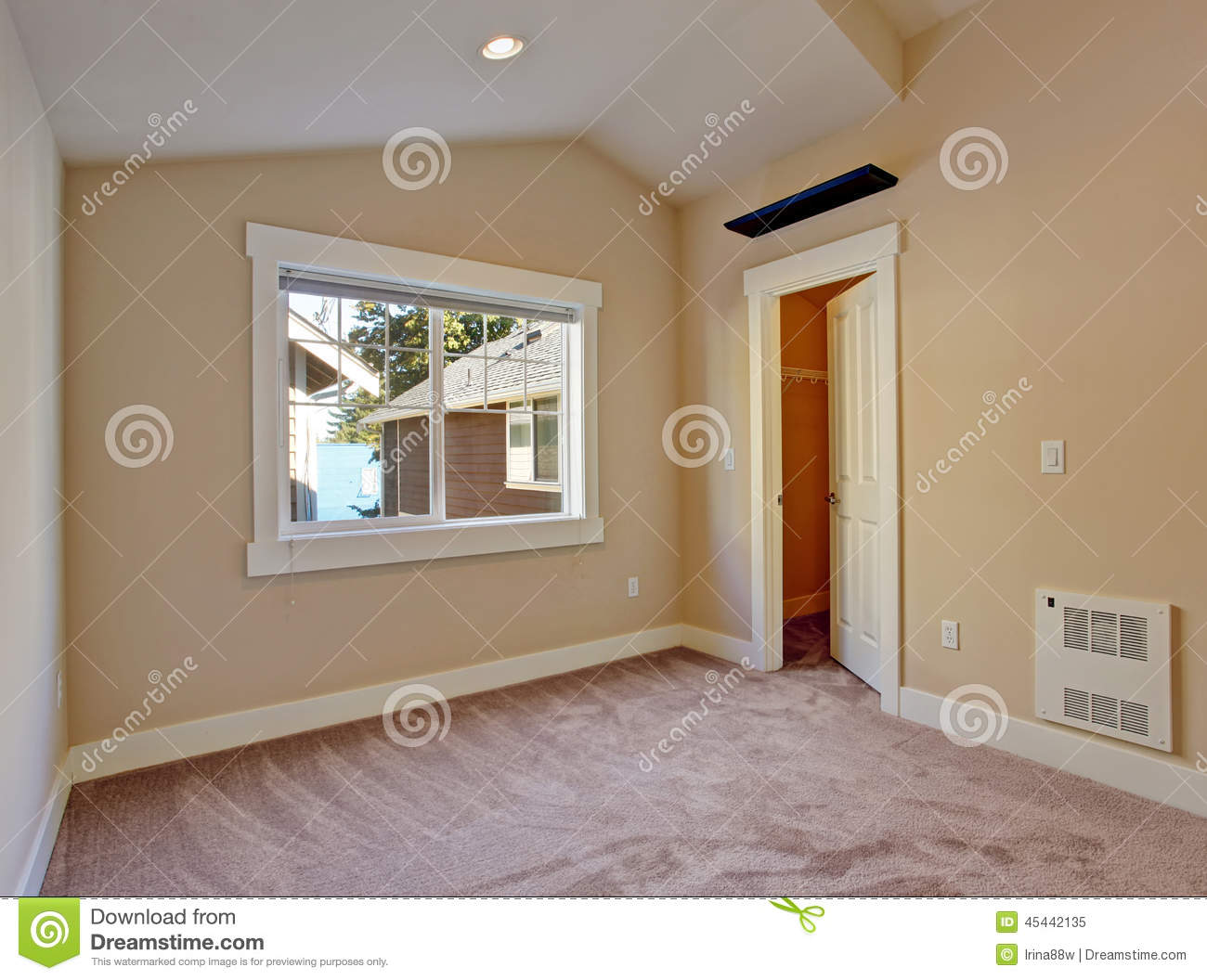 Empty Small Room With Walk In Closet Stock Image