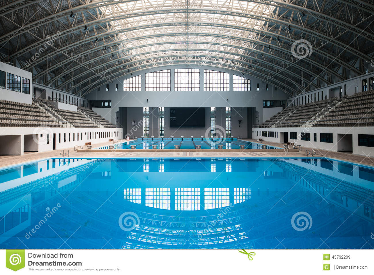Starting Block And Empty Swimming Pool Royalty Free Stock Photography 4180283