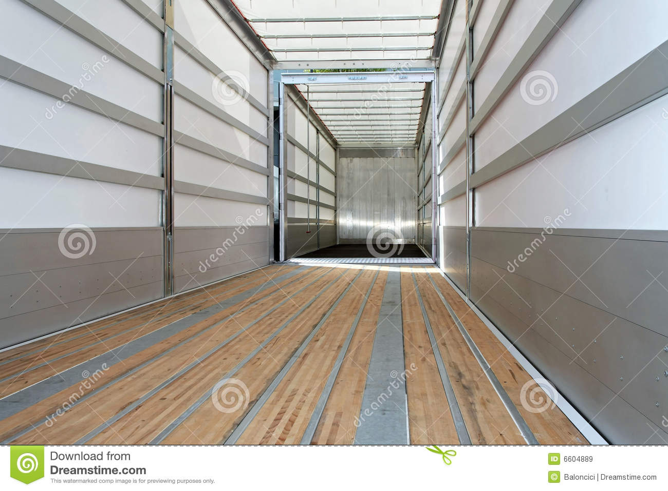 Empty trailer horizontal stock image image of vehicle for A l interieur trailer