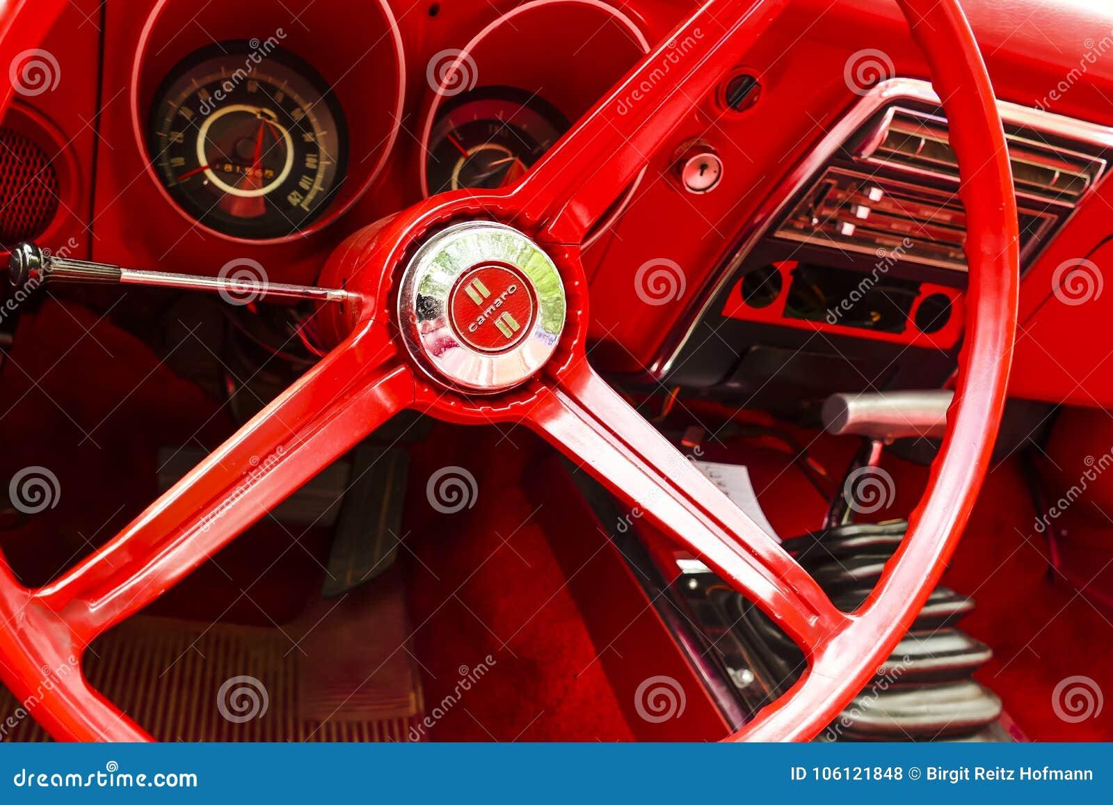 En återställd tappning Chevy Camaro