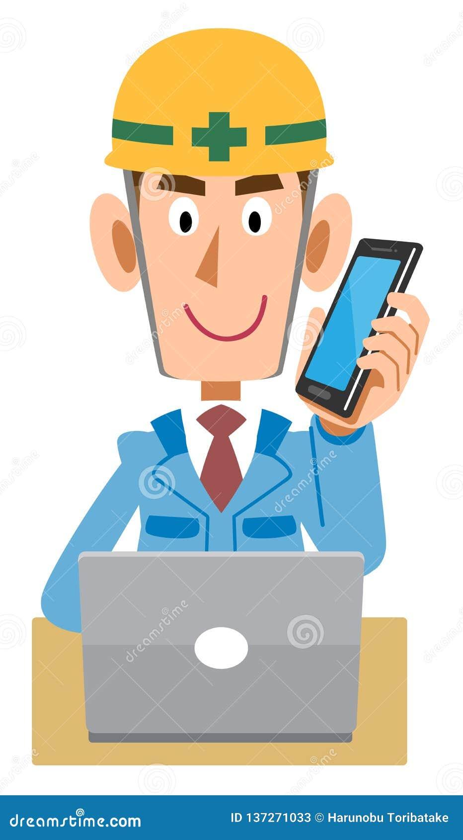 En arbetare på en konstruktionsplats som fungerar en PC, medan tala med en mobiltelefon