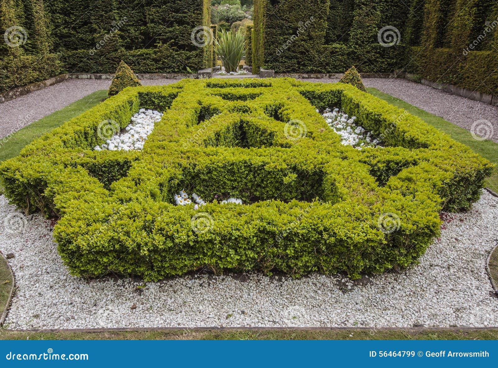En av de formella trädgårdarna på den Biddulph lantgården