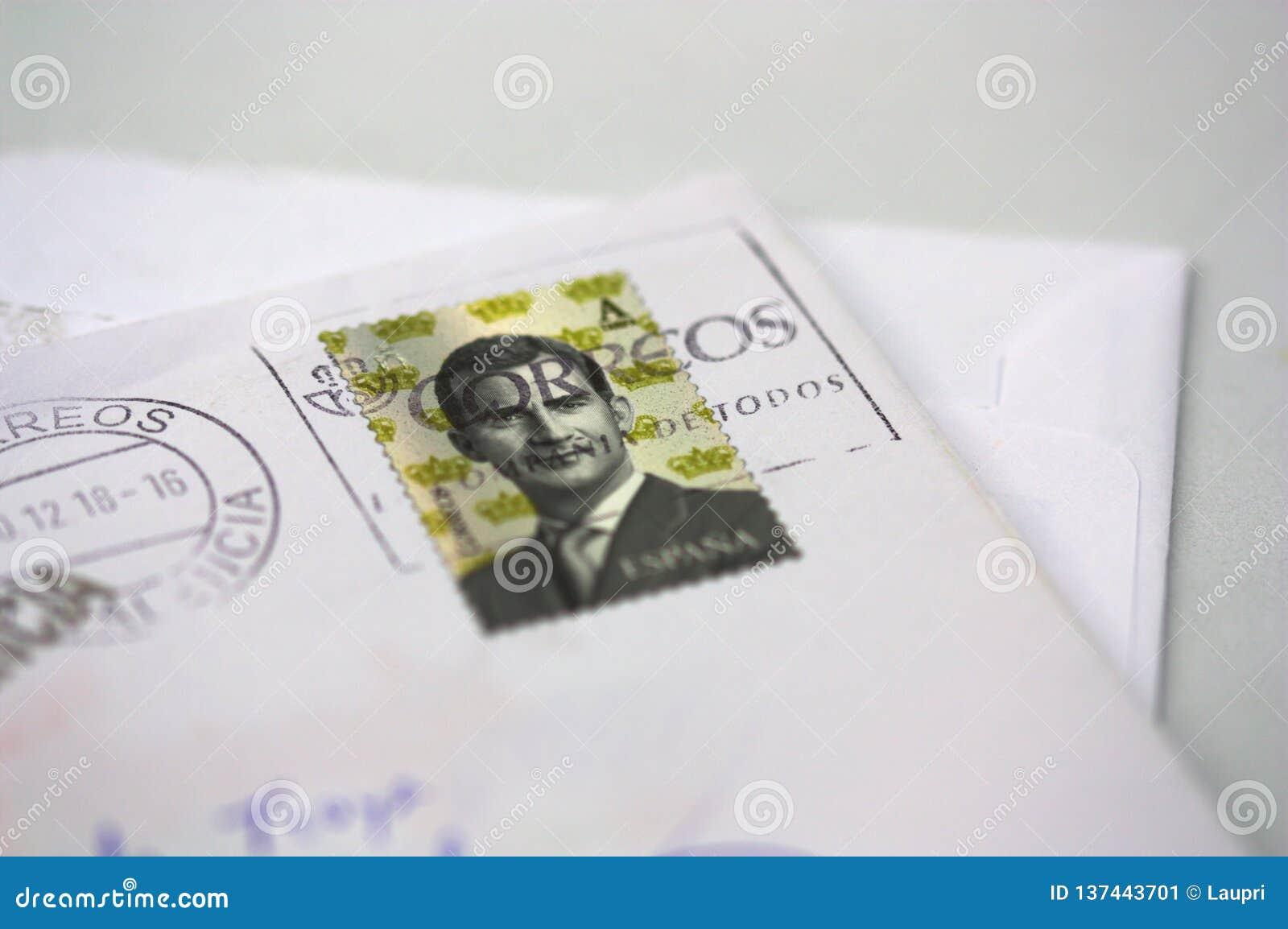 En bokstav med en stämpel som skrivs ut i Spanien