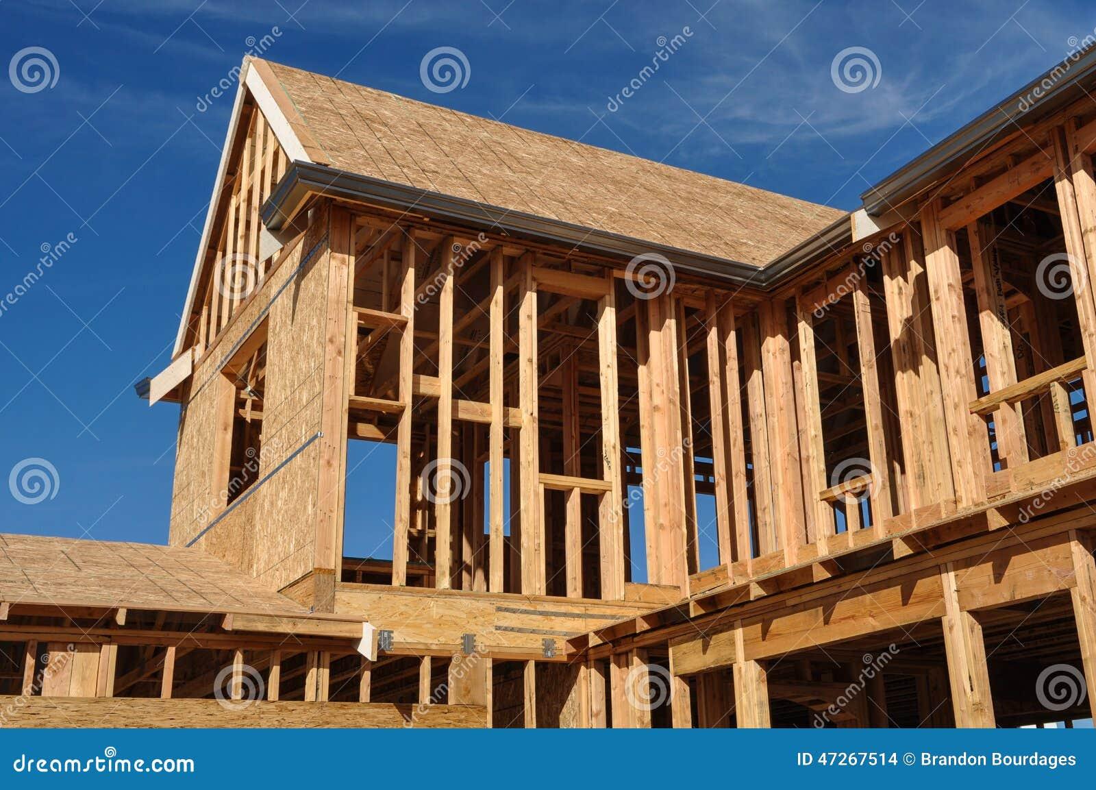 En construction à la maison neuf