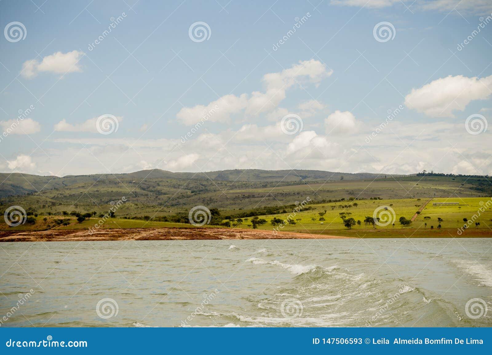 En flod och ett landskap