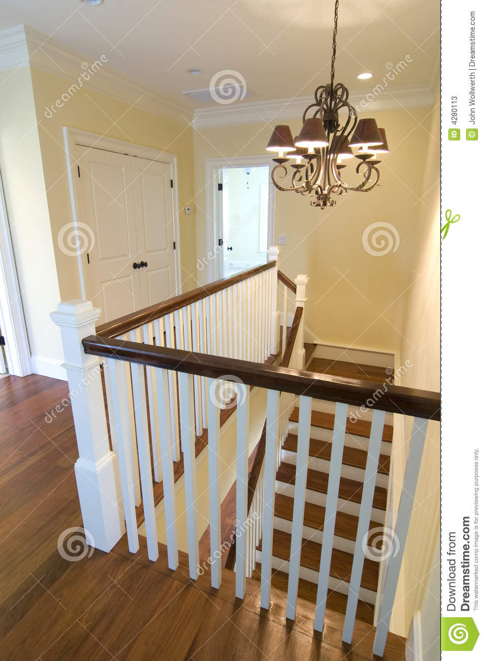 en haut cage d 39 escalier image stock image du construction 4280113. Black Bedroom Furniture Sets. Home Design Ideas