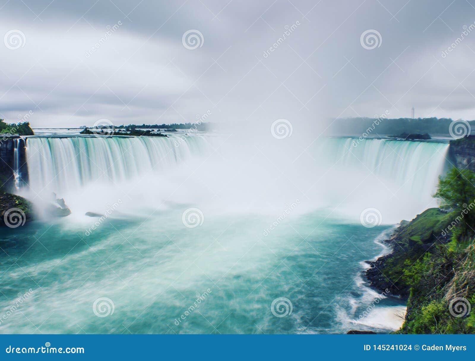 En kall morgon på Niagara Falls
