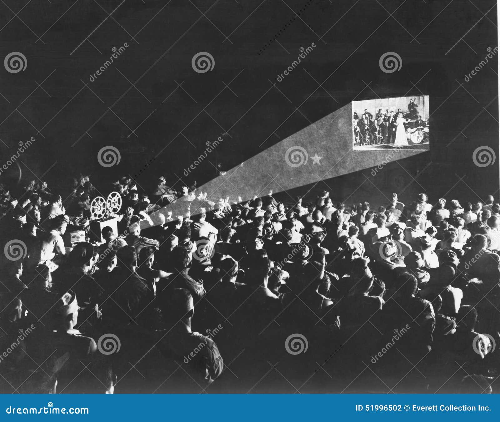 EN LA PANTALLA GRANDE (todas las personas representadas no son vivas más largo y ningún estado existe Garantías del proveedor que
