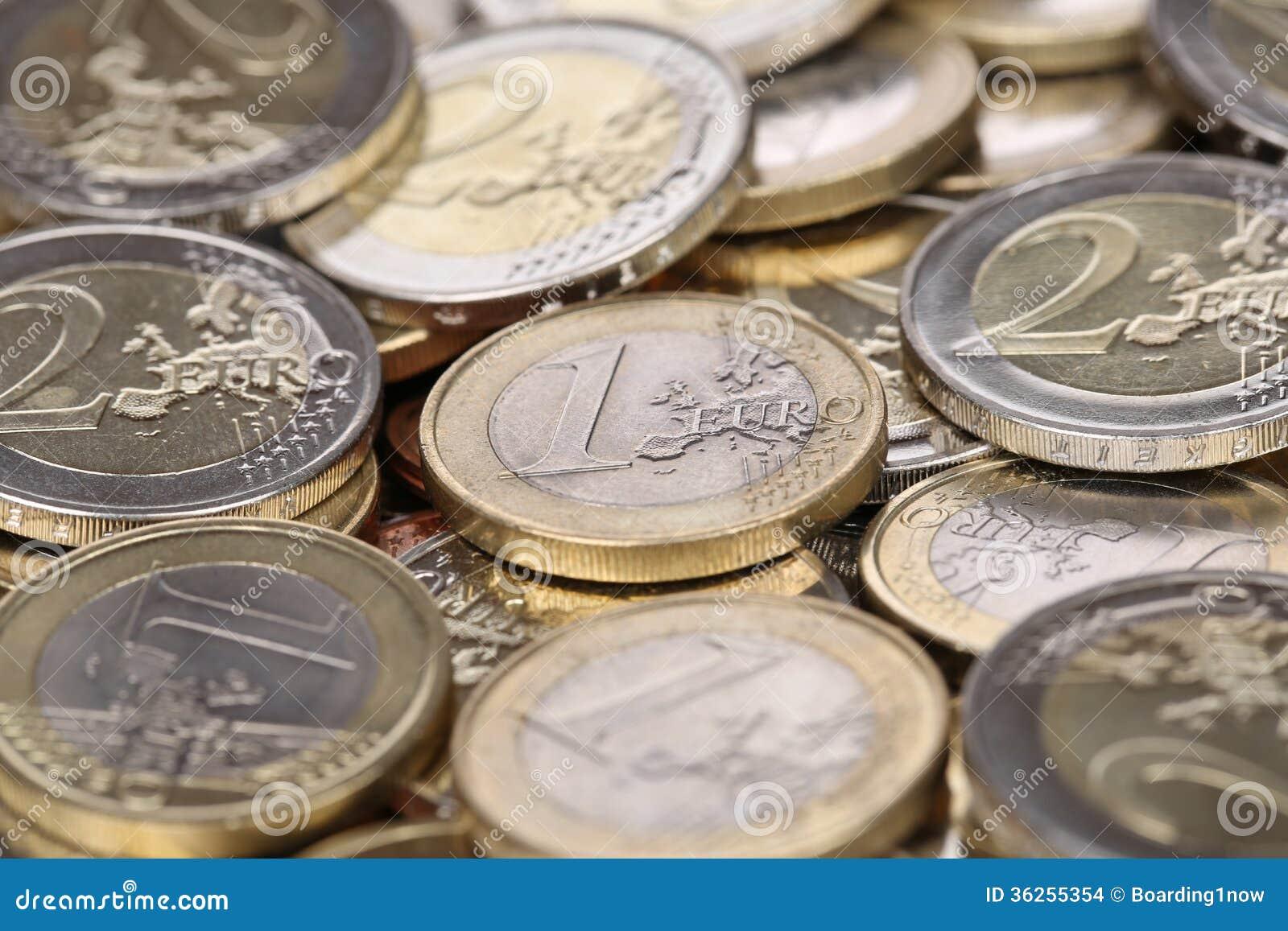 En och två euromynt från Europa