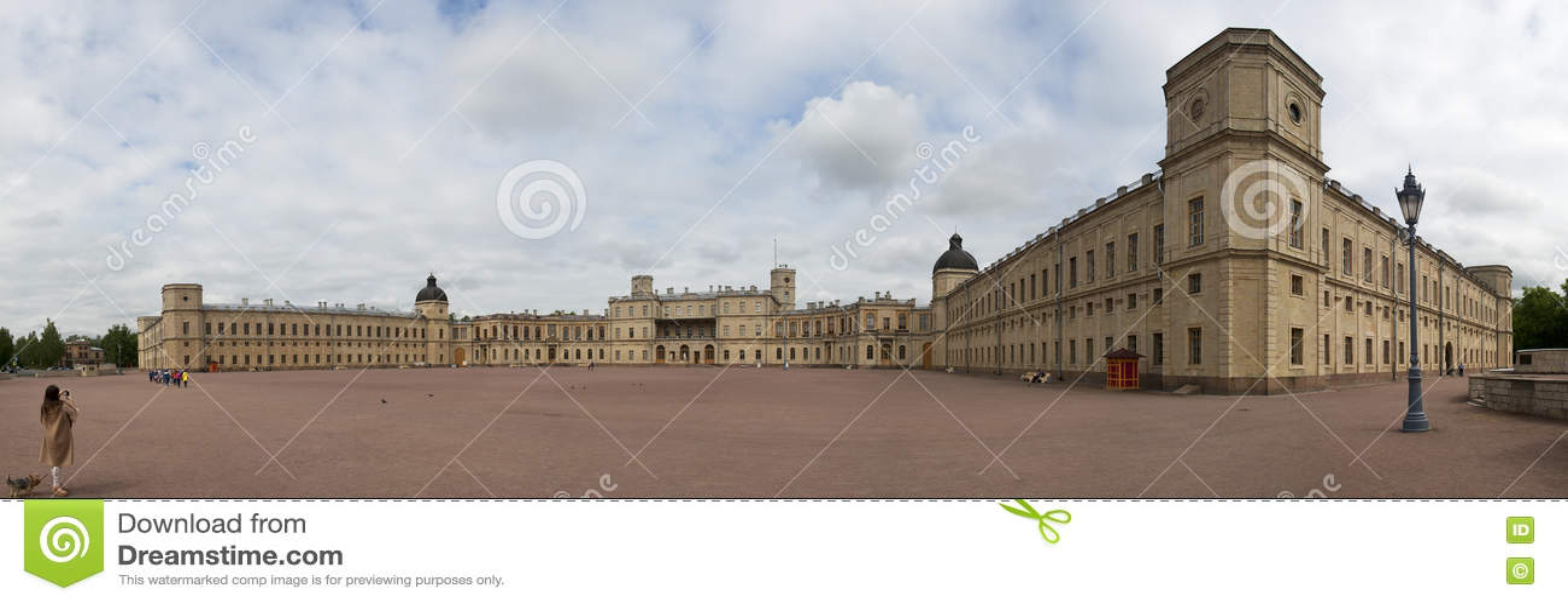 En panorama av den stora Gatchina slotten