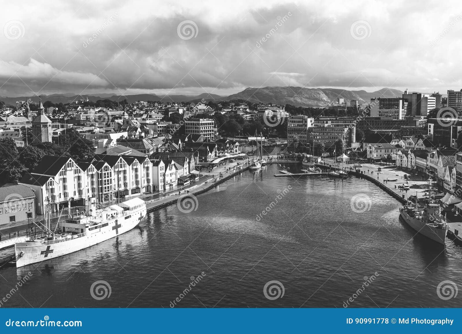 En panoramautsikt av staden av Stavanger i Norge