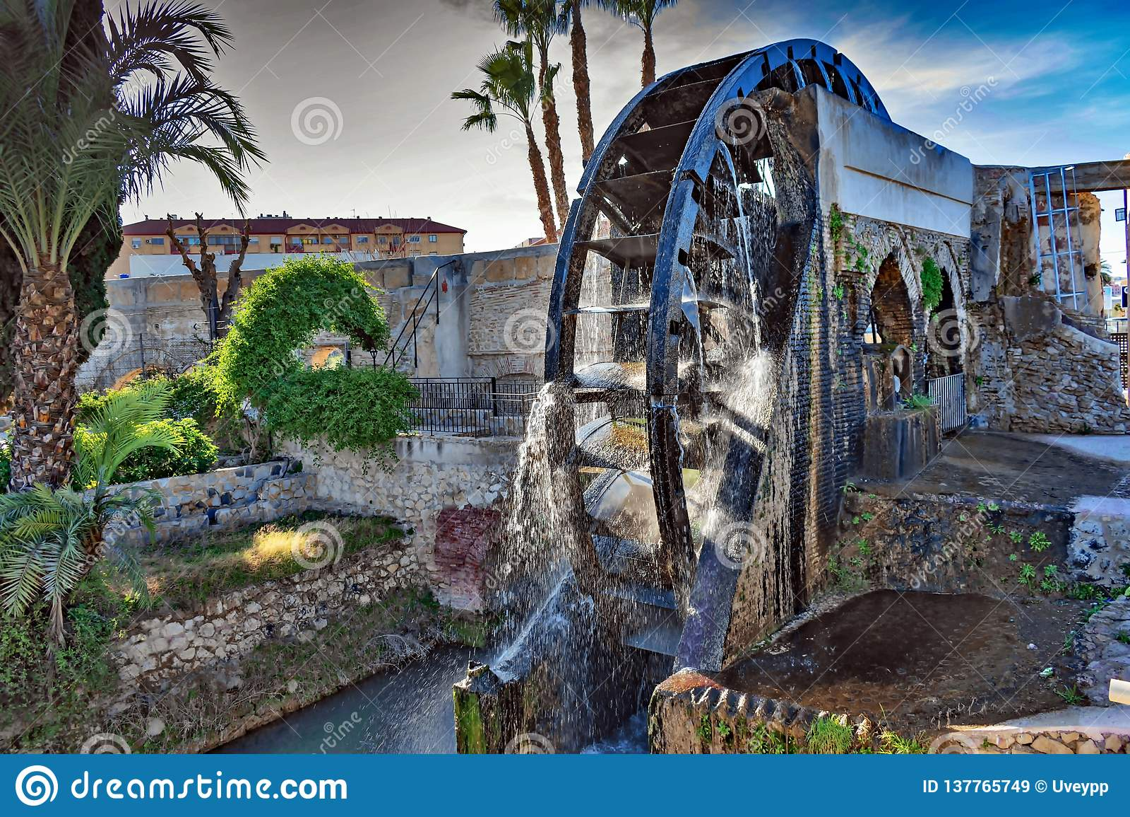 En pariserhjul som har mått av 11 meter i diameter