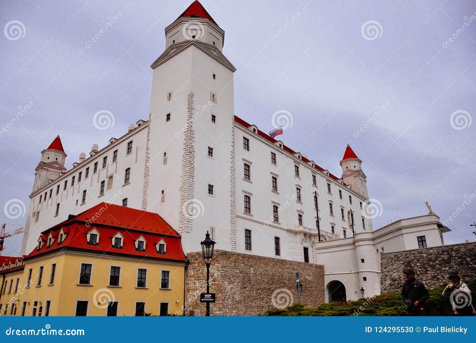 En sikt av den Bratislava slotten, Bratislava, Slovakien