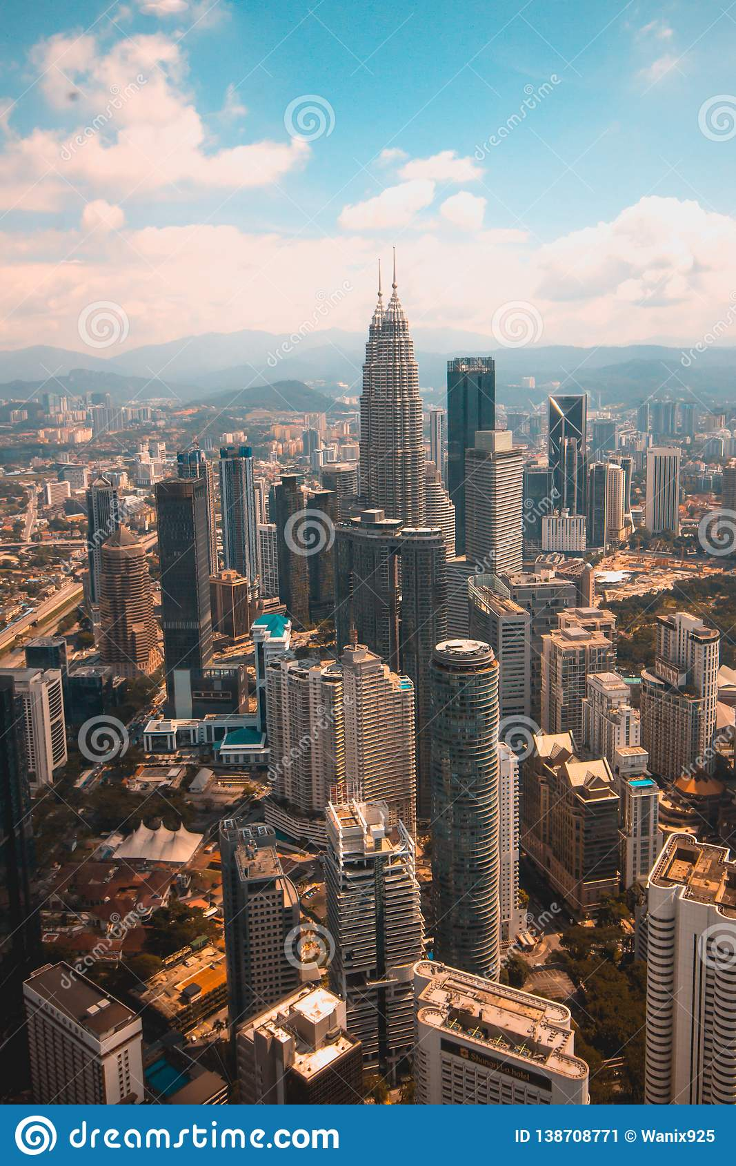 En sikt från den mest högväxta byggnaden i Kuala Lumpur