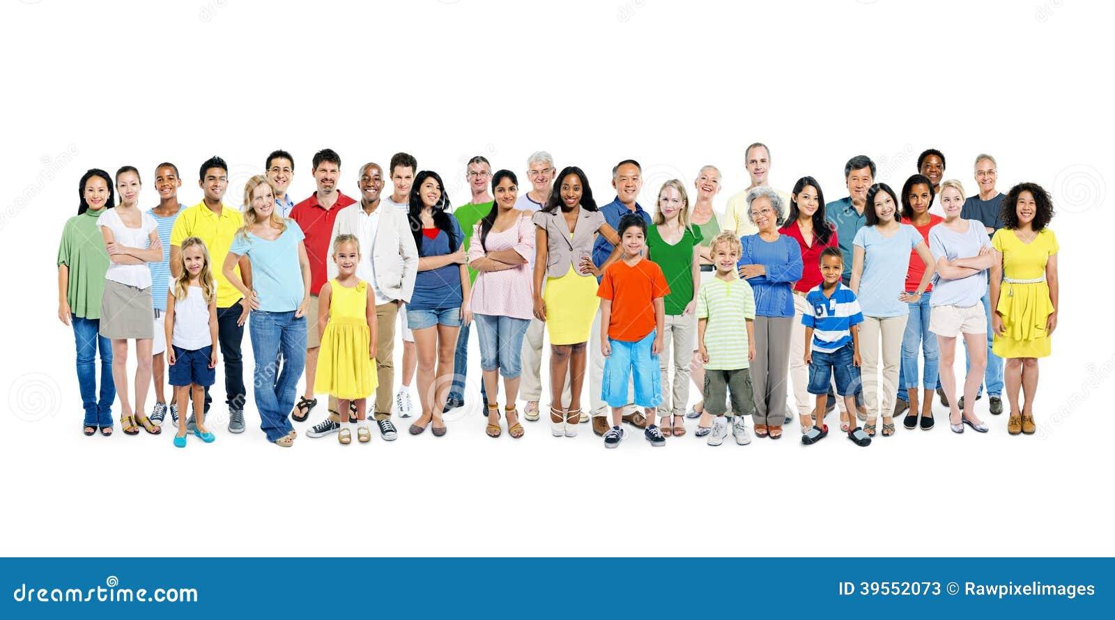 En stor grupp av olikt färgrikt lyckligt folk