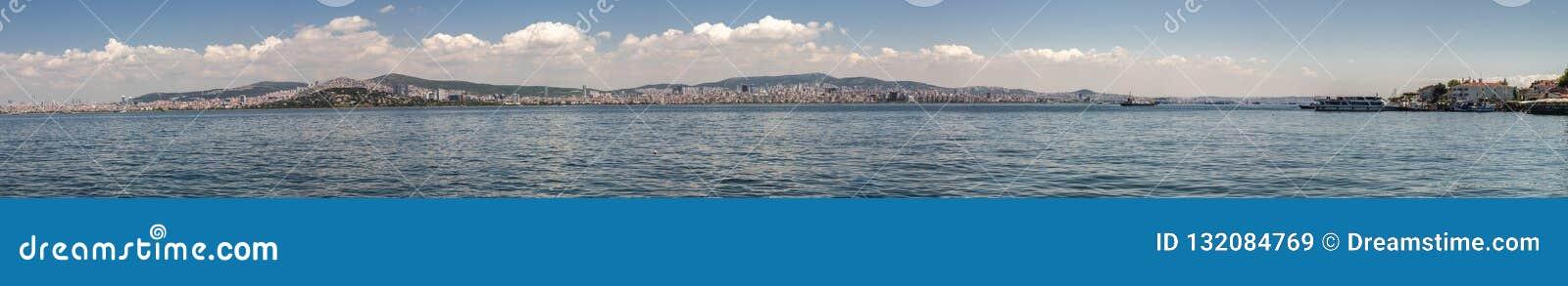 En stor panorama av den Istanbul invallningen Istanbul Turkiet