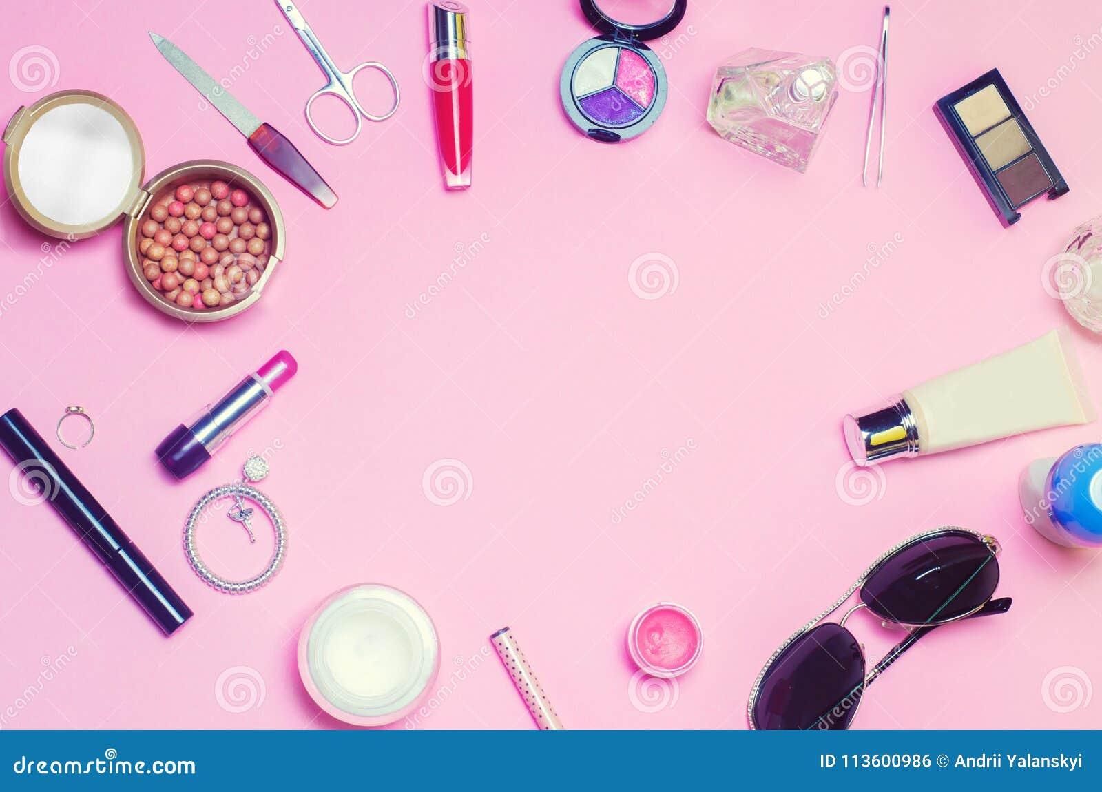 En uppsättning av kvinnliga skönhetsmedel, mode, stil, tillbehör, glamour, elegans Lekmanna- lägenhet för bästa sikt