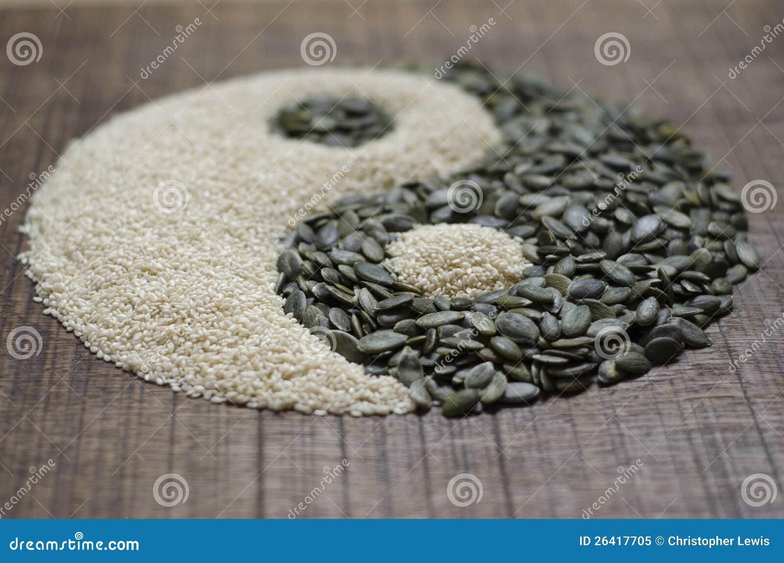 En yin yang som göras från frö