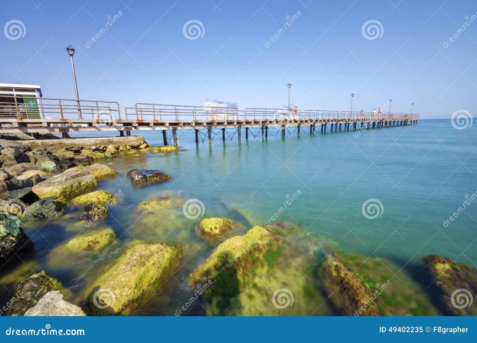 Download Enaerios-Pier, Limassol, Zypern Stockbild - Bild von küsten, nave: 49402235