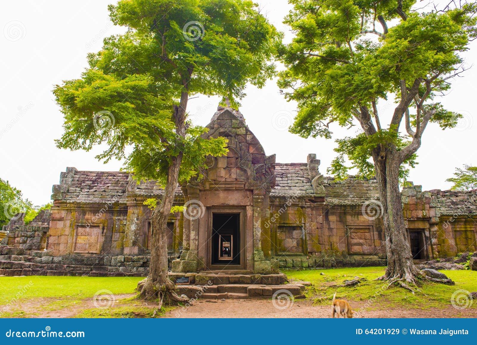 Enarene el castillo de piedra, phanomrung en la provincia de Buriram, Tailandia