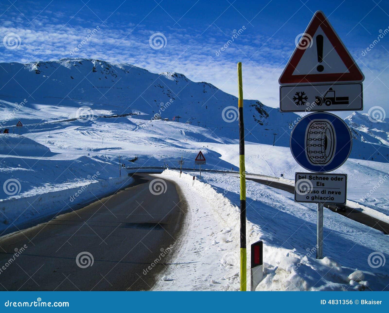 Encadenamientos de nieve necesarios