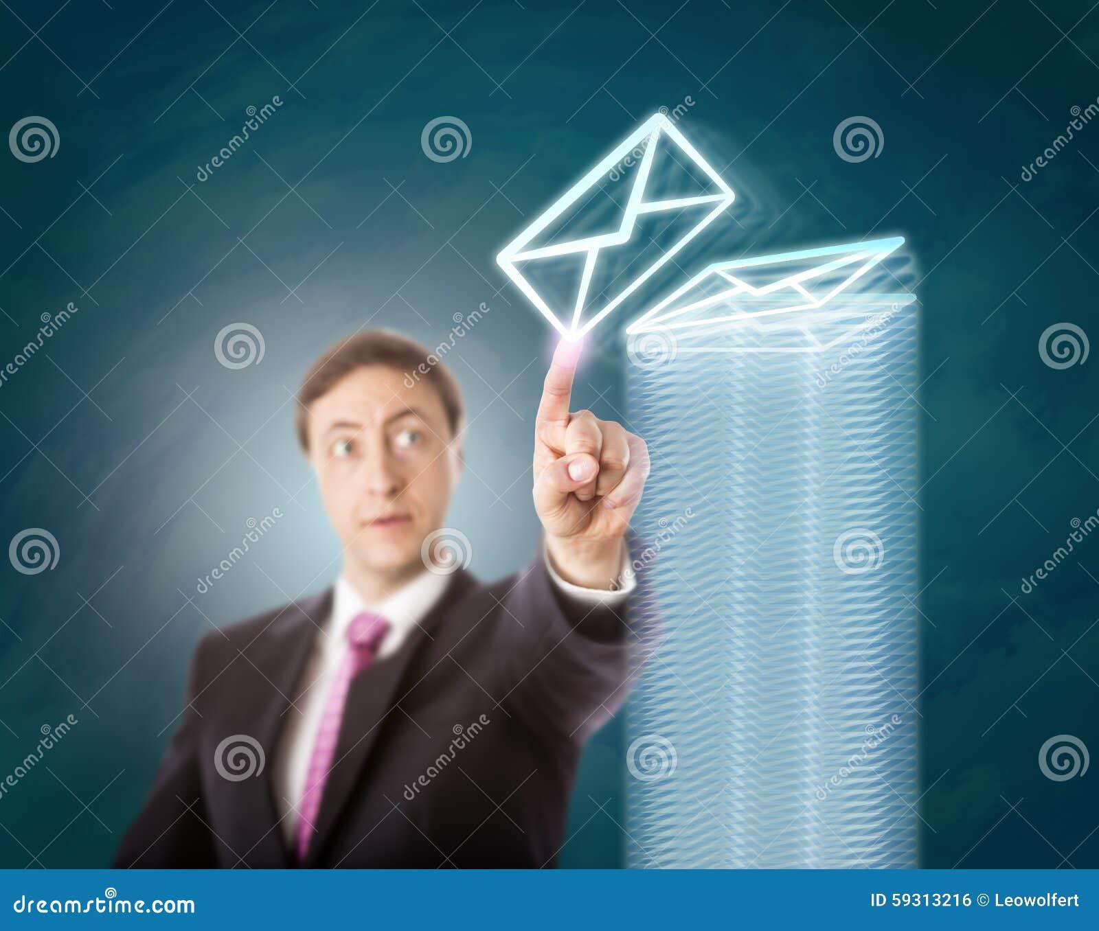 Encargado con exceso de trabajo Stacking Virtual Documents
